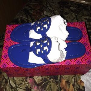 LAST PRICE...NWT tory burch millers size 8.